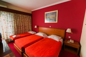 Economy Triple Room, GRAND HOTEL| LARISSA HOTELS | HOTELS IN LARISSA| VACATIONS IN LARISSA | LARISSA | THESSALY | GREECE